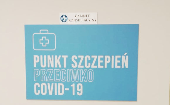 W Szpitalu w Ciborzu trwają szczepienia przeciwko COVID-19